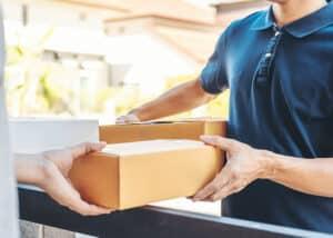 Services d'envoi et réception de colis